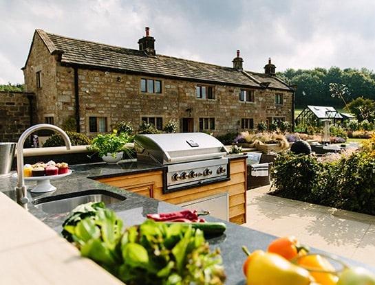 Garden-Styling-Outdoor-Kitchen